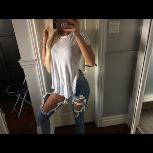 Aritzia Tops - Aritzia tshirt